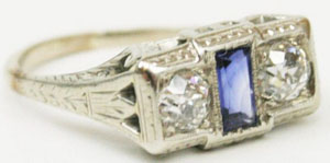 18K White Gold Art Deco Diamond & Sapphire Ring